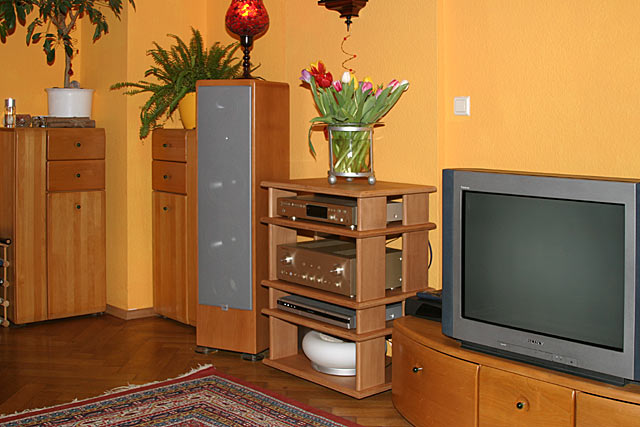 bilder eurer selbstbau racks racks geh use hifi forum seite 7. Black Bedroom Furniture Sets. Home Design Ideas